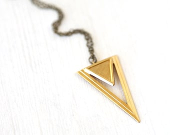 Long Modern Triangle Point Pendant Necklace // Simple everyday jewelry