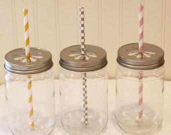 Plastic Mason Jars, 10 Mason Jar Cups with Daisy Jar Lids, Wedding Favors, Plastic Cups, Baby Shower, Mason Jar Favors, Mason Jars with Lids