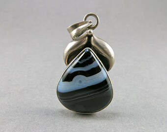 Vintage Agate Pendant Sterling Pendant Banded Agate Pendant Black And White Jewelry