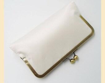 Wedding clutch bag, ivory silk handbag, handmade bridal purse, personalised clutch, ivory silk duchess satin purse with silk lining