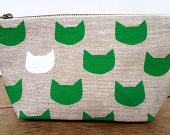 Emerald Green Cats pouch - sit up on grey linen - screen printed and handmade