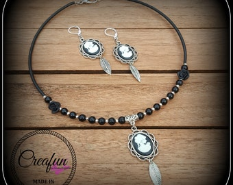 set with black and white cameo vintage style