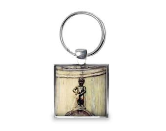 Manneken Pis - Glass Photo Keychain - Handmade