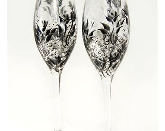 Bridesmaids' Gifts Hand Painted Personalized Champagne Flutes 5x - Silver and Black Roses - Wedding Party Gift Ideas