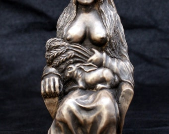 Earth Mother Goddess statue - Pagan goddess of fertility, life and power.