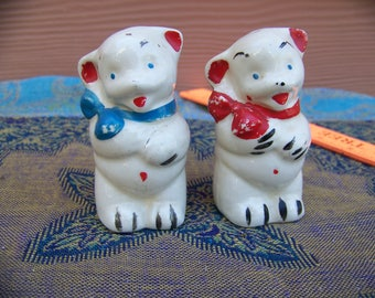 vintage bear salt and peppers