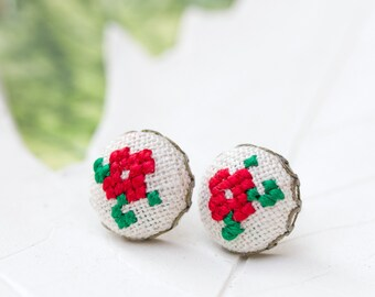Tiny violet stud earrings - floral button studs e004