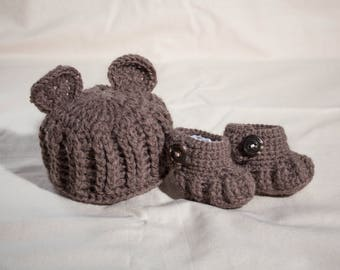 MADE TO ORDER Handmade crochet baby teddy bear baby hat and bootie set