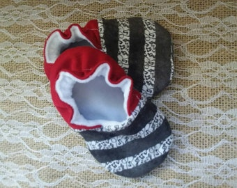 Handmade baby shoes, Soft sole shoes, baby booties, baby slippers--Music Notes