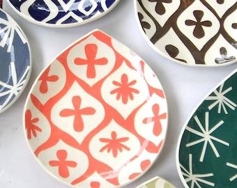 """Ceramic plate 10"""" salmon -----As seen in  """"Good Housekeeping"""", August 2012"""