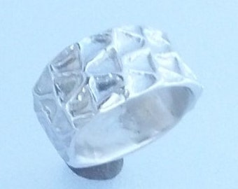 Silver Ring With Deep Geometric Pattern