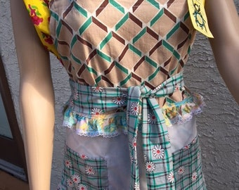 Superbe tablier Wearable Art d'un genre SewBeeMine