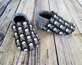 Pirates, soft sole shoe, skulls and plaid, baby shoe, baby slipper, black and white crosshatch fabric, skull and crossbones