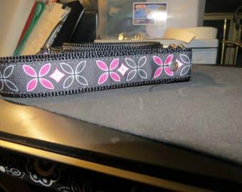 Yoga mat strap, adjustable strap