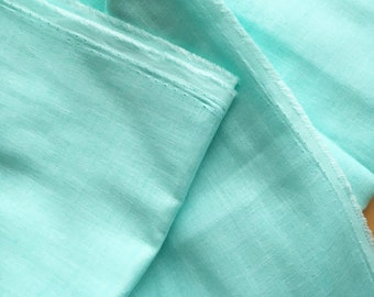 japanese fabric. solid cotton double gauze. 108cm (42.5in) wide. sold by 50cm (19in) long / half yard. bright mint