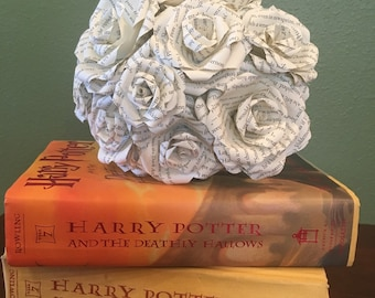Harry Potter Paper Roses {Set of 12}, Harry Potter, Book Page Flowers, Paper flowers, Wedding Decor, Bridal, Flowers, Roses, Vintage, Rustic