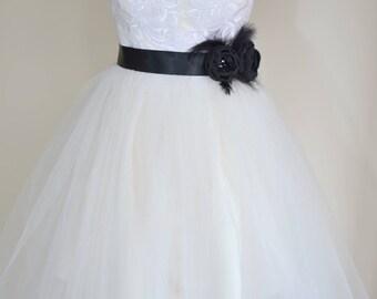 Bridal belt, Black Bridal sash, Floral Bridal Belt, sash belt, Black bridal belt, Flower wedding sash, Flower wedding dress belt