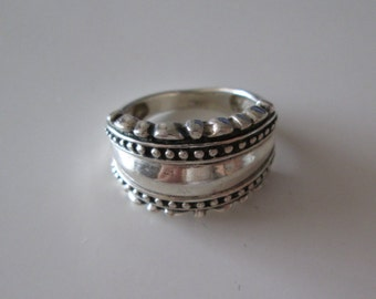 Vintage Sterling silver Thick Band Ring size 7.5