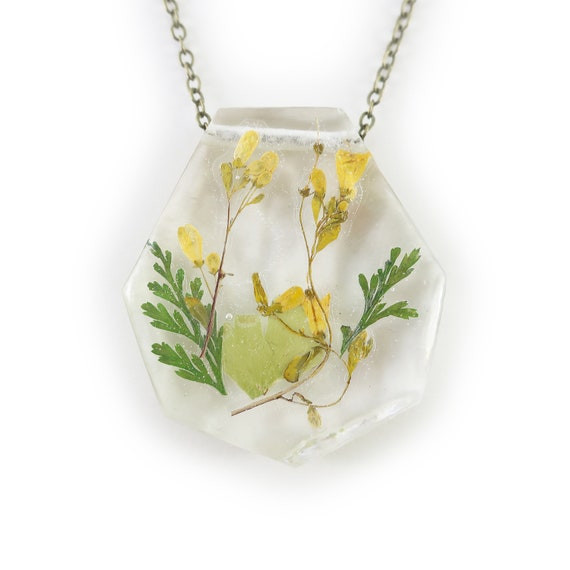 Pressed Flower Resin Necklace • Nature Necklace • Eco Resin Pendant Terrarium Jewelry • Flower Jewelry • Science Jewelry • Flower Jewelry