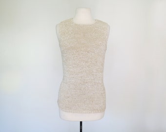OATMEAL // soft hand knit cream 1970s sleeveless sweater S / M / L