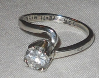 Mexican silver solitaire ring
