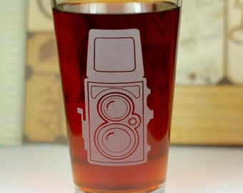 Vintage Brownie Camera Etched Sandblasted Pint Glass