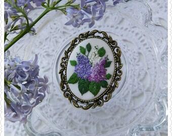 lB3 Lilac brooch