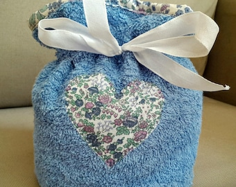 Pouch fabric heart sponge