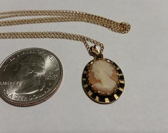 """Vintage gold filled cameo 18"""" necklace badr"""