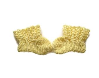 """Baby Booties Yellow Baby Shoes Crochet Booties 4 """" Newborn Shoes OOAK Booties Reborn Baby Doll"""