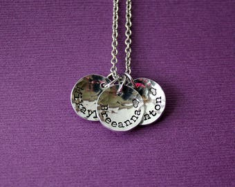 Personalized Circle Tag Necklace - Hammered Discs Mom Necklace - Kids Names Necklace - Grandma Necklace Gift - Mom Gift - Mother's Day Gift