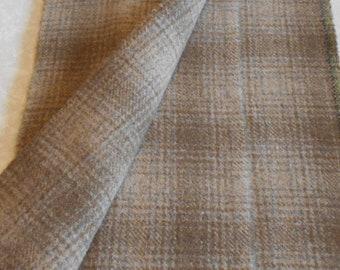 Moulin à feutrée à la main teint tissu de laine - blé d'hiver - rug hooking - applique et l'artisanat - primitive d'artisanat - courtepointe - violet - 060
