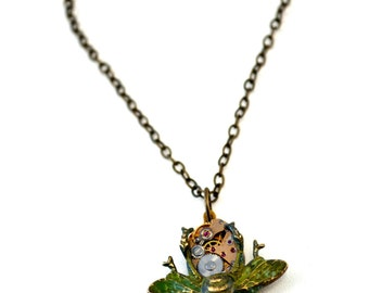 Steampunk Bee Necklace, Clockwork Bee Necklace, Steampunk Bug