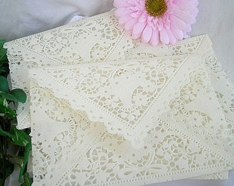 Doily Paper Lace Envelopes, Vintage lace, Handmade, Ivory Off White, Shabby Chic Wedding Invitaion Liners, A7 Size