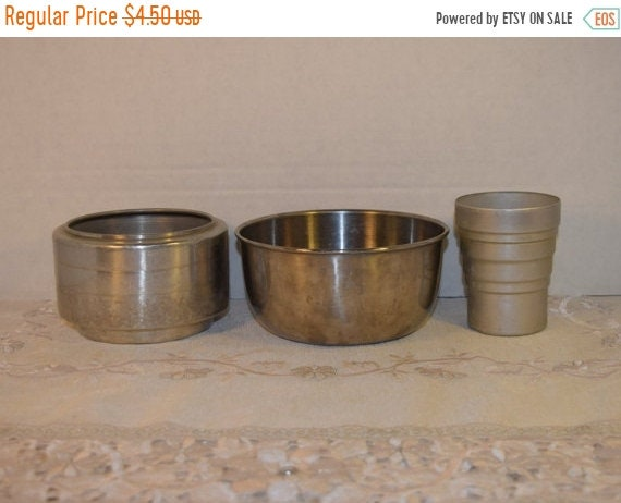 Delayed Shipping Metal Bowl Collection Vintage Set of 3 Metal Kitchenware Small Mixing Bowl Mixer Cup Sifter Mid Century Aluminum Kitchen Wa