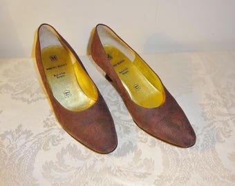 Vintage Bruno Magli Brown Pumps Shoes Size 6 1/2 B Embossed Suede