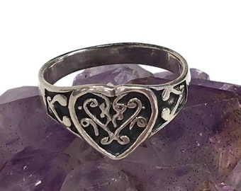 Heart 925 Ring Hearts Band Ring Vintage Sterling Siver Love Ring Size 7.25 Wedding Band Engagement Friendship Ring Jewelry Gift