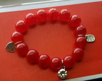 Stretchy red bracelet