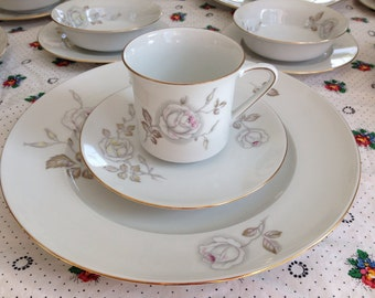 47 Pieces Johann Haviland Sweetheart Rose Service for 8 with Serving Pieces