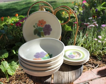 1971 - 1977 Franciscan FLORAL - Set of 8 Pieces - 5 Cereal Bowls (7 Inches) and 3 Saucers - Very Good Condition