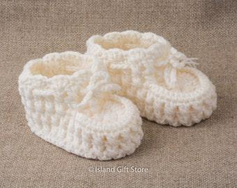 Crochet baby shoes, Baby booties, Newborn baby booties, Crib shoes, Baby girl shoes, Baby gift
