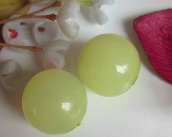 set of 2 round plastic beads