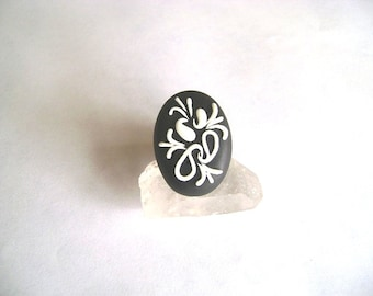 Handmade Black and White Adjustable Ring - Clay Ring- Paisley Pattern