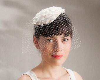 Bridal Fascinator, Birdcage Fascinator Lace, White Headpiece, Bridal Veil White, Bridal Veil Offwhite, Vintage Style, Retro, Romantic, 50's