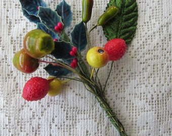 Vintage Spun Cotton And Lacquered Holly Clusters Millinery Fruit  #A