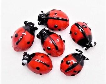 Glass ladybug beads; cute as ever, lampwork glass ladybug beads, 15x10x5mm, 6pcs/2.80.
