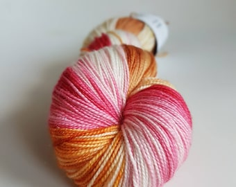 Skein of Superwash Merino - Nylon - Stellina / Fingering - hand dyed Sock / sand pink color