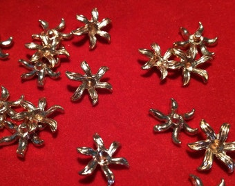 12 x Vintage Brass small flower stamping findings