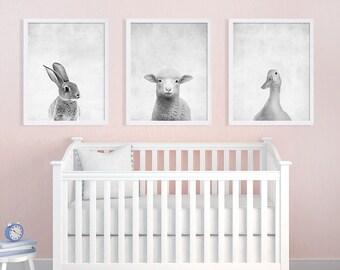 Satz von drei Baby Animal Prints Kinderzimmer Kunst druckt schwarz-weiß Art Bunny Print Lamm Ente Kids Room Decor Kindergarten Decor Baby Geschenkideen