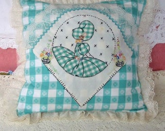 """SUNBONNET SUE PILLOW Cover Daisies Hollyhocks 1930 Quilt Block Embroidery Lace Rick Rack, Sweet Girlie Accent Vintage Gingham Fabrics 16"""" sq"""